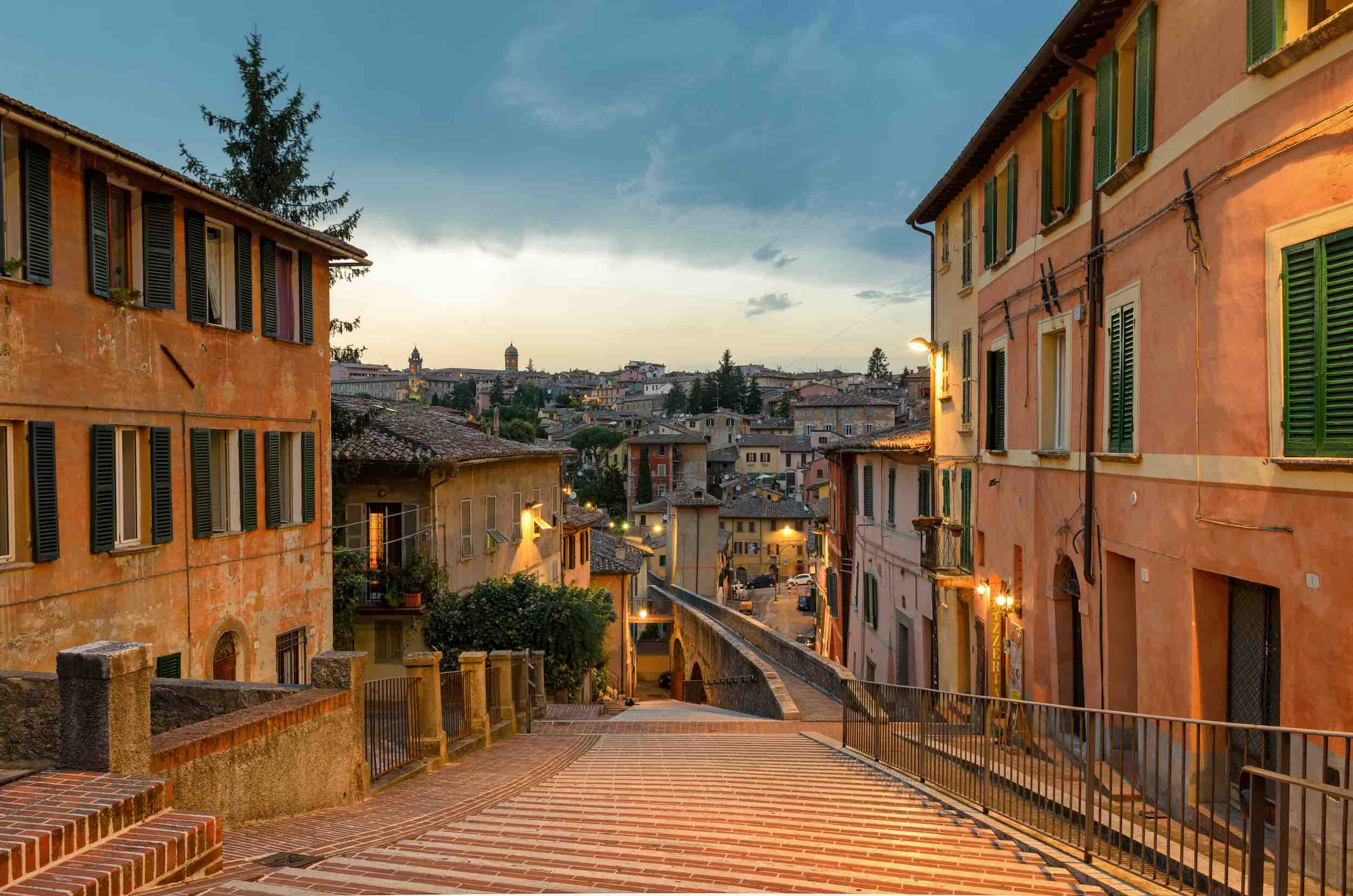 """From Florence to """"Perugia and Assisi"""" (10 hours)"""